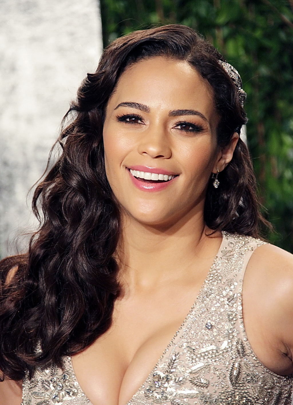 Paula Patton Busty And Leggy At 2012 Vanity Fair Oscar