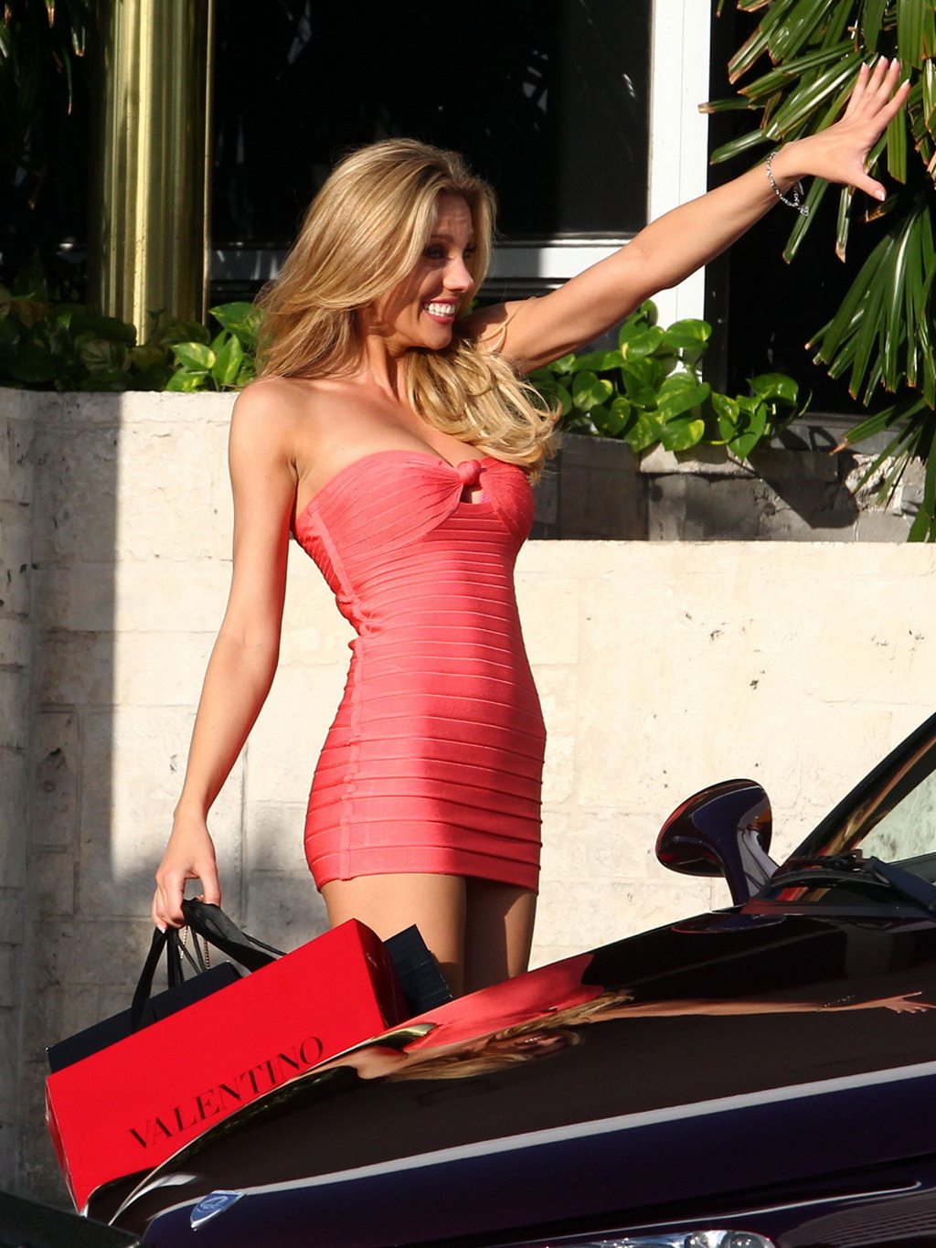 Bar paly underwear 2 in pain amp gain 9