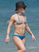 Pink showing off her hot bikini body at the beach in Miami from CelebMatrix