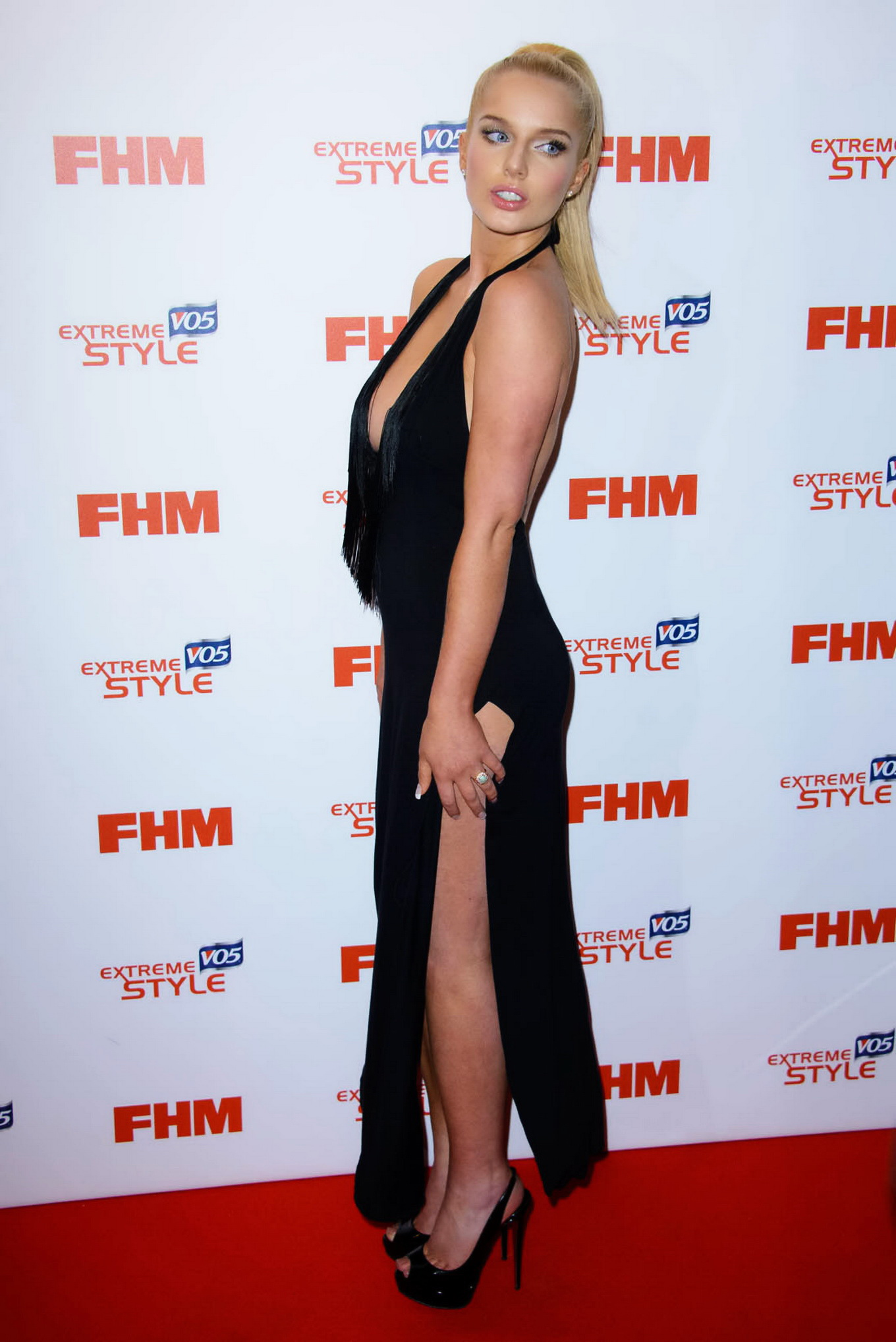 black single women in flanagan Helen flanagan flashes her underwear in bondage  but i think most girls  bewitched gets reboot at abc with samantha as 'black single mom who marries white.