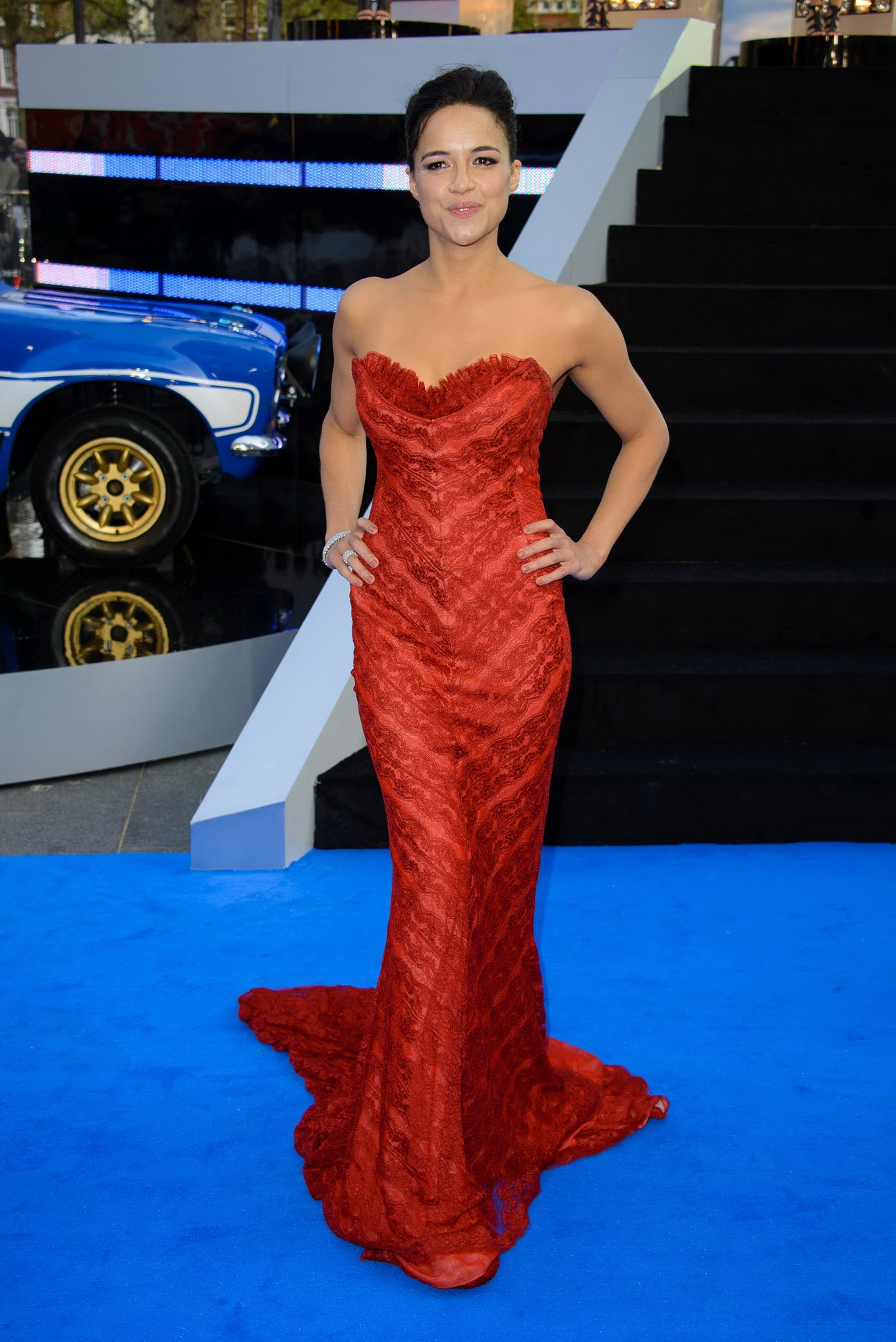 Michelle Rodriguez Busty Wearing Red Hot Strapless Mai Dress At The