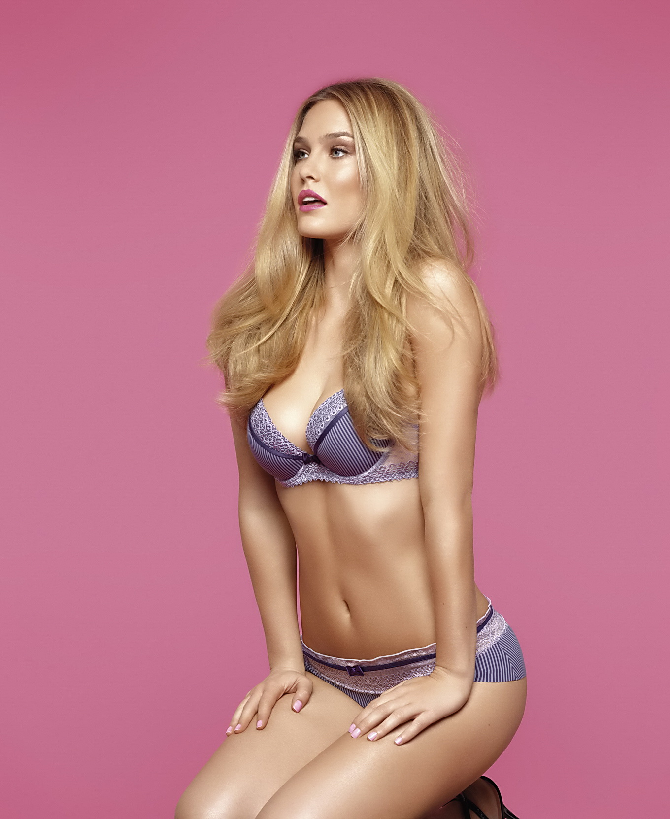 Bar Refaeli Showing Off Her Amazing Body At The Passionata