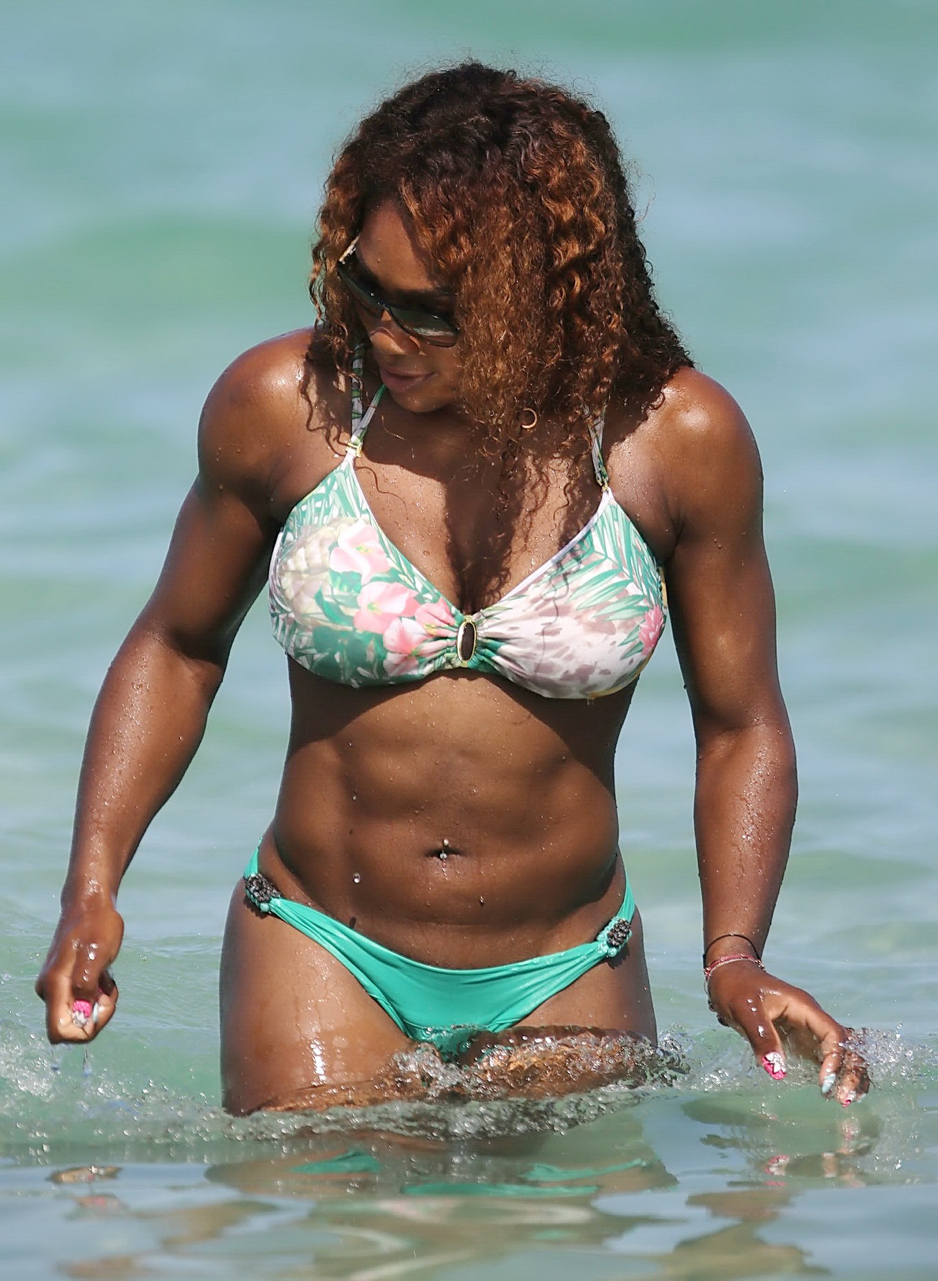 Serena williams bikini paparazzi