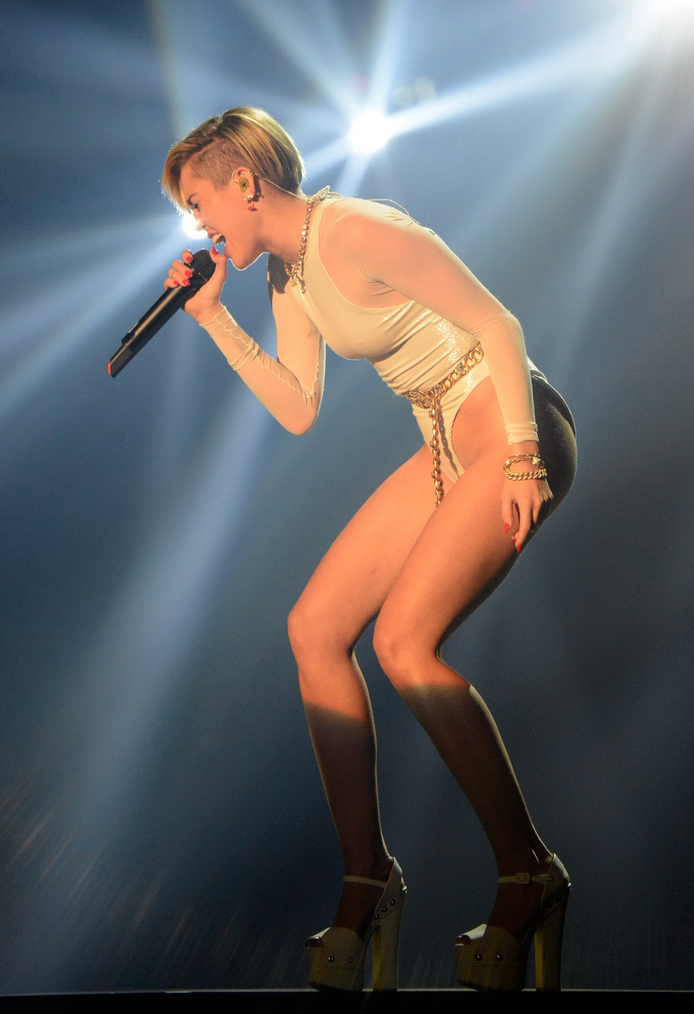Consider, that miley cyrus ema awards that