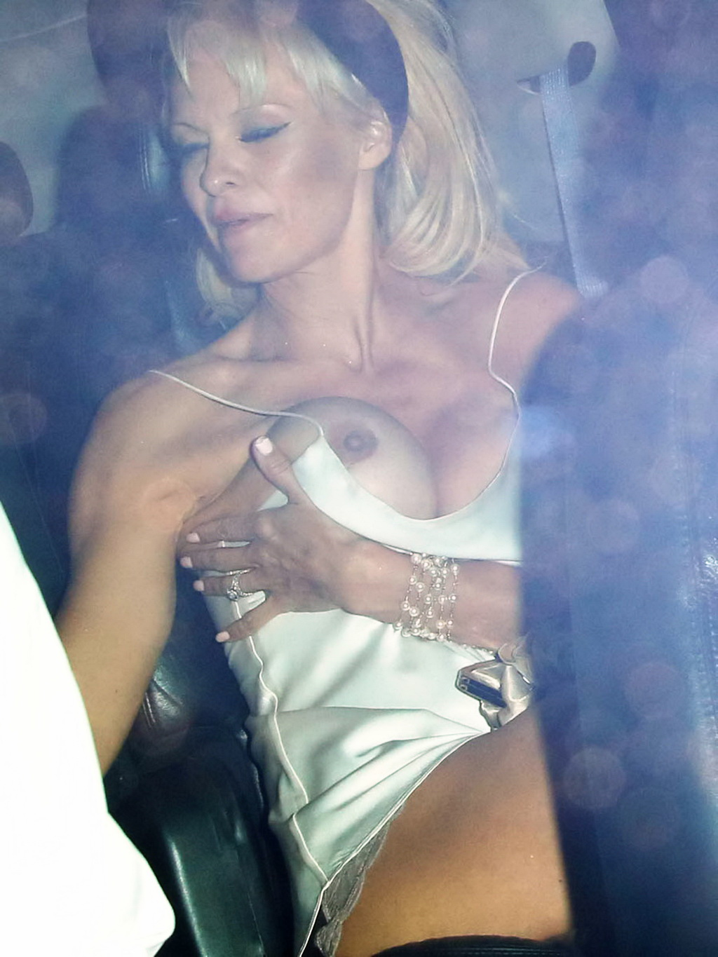 pam anderson free nude pics