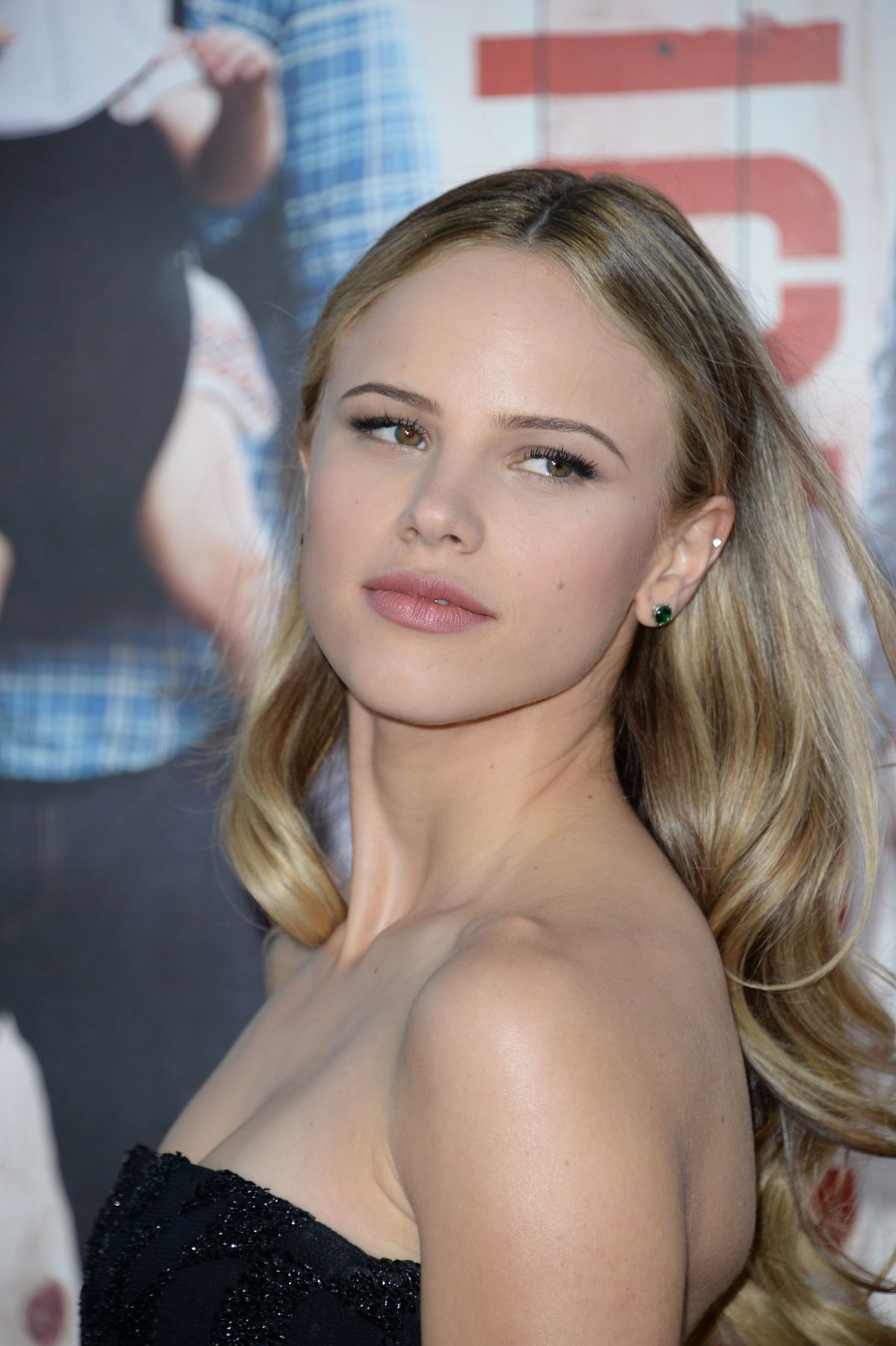 halston sage braless showing huge cleavage at 3rd annual