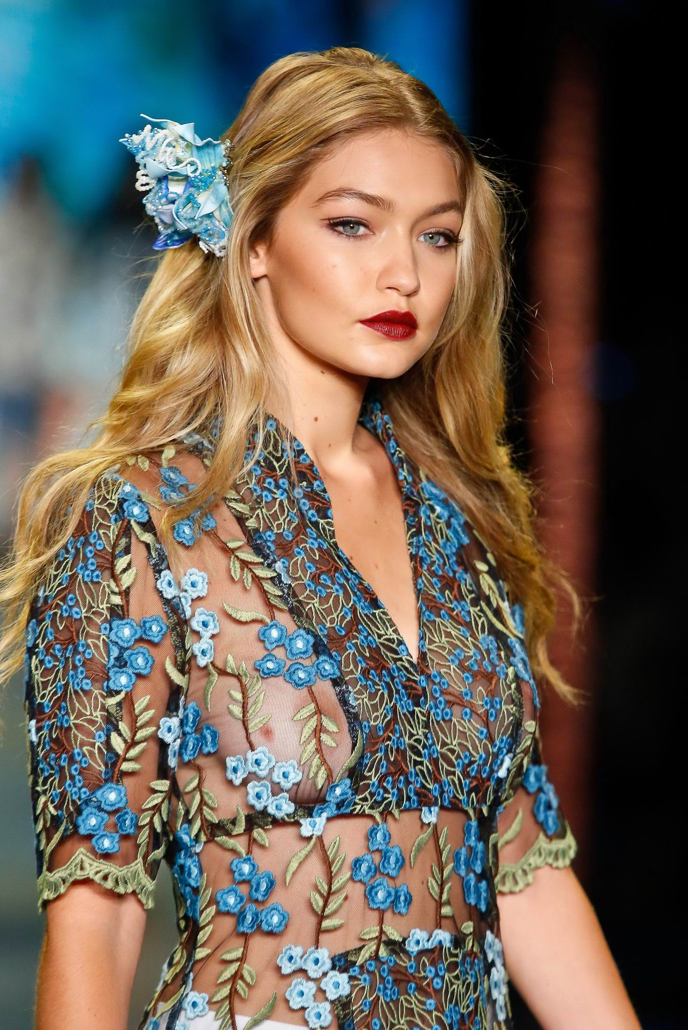 Gigi Hadid Best Beauty Trends: Gigi Hadid See-through Showing Off Her Big Boobs On The