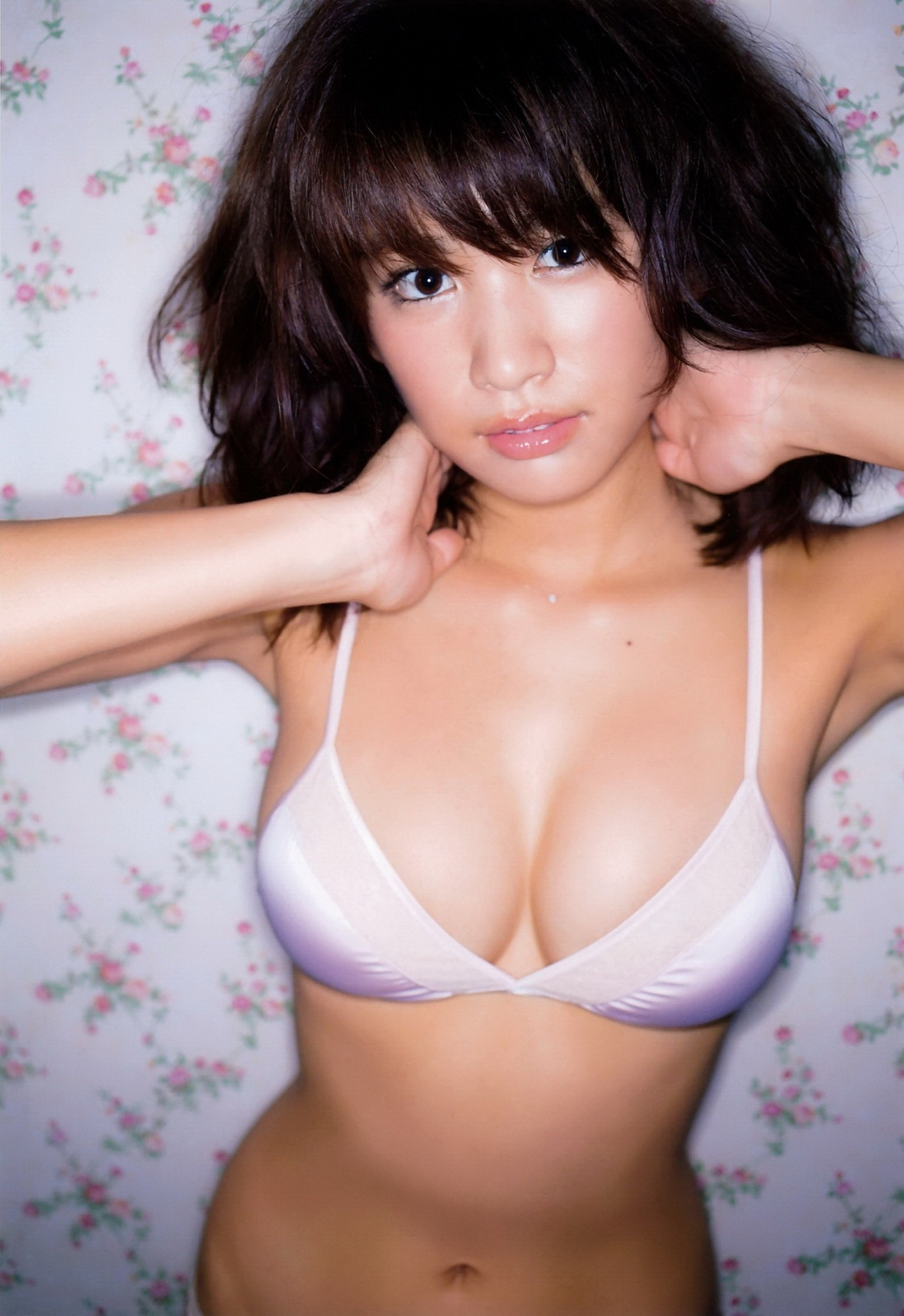 Ikumi Hisamatsu shows off her hot body in tiny lingerie at ...