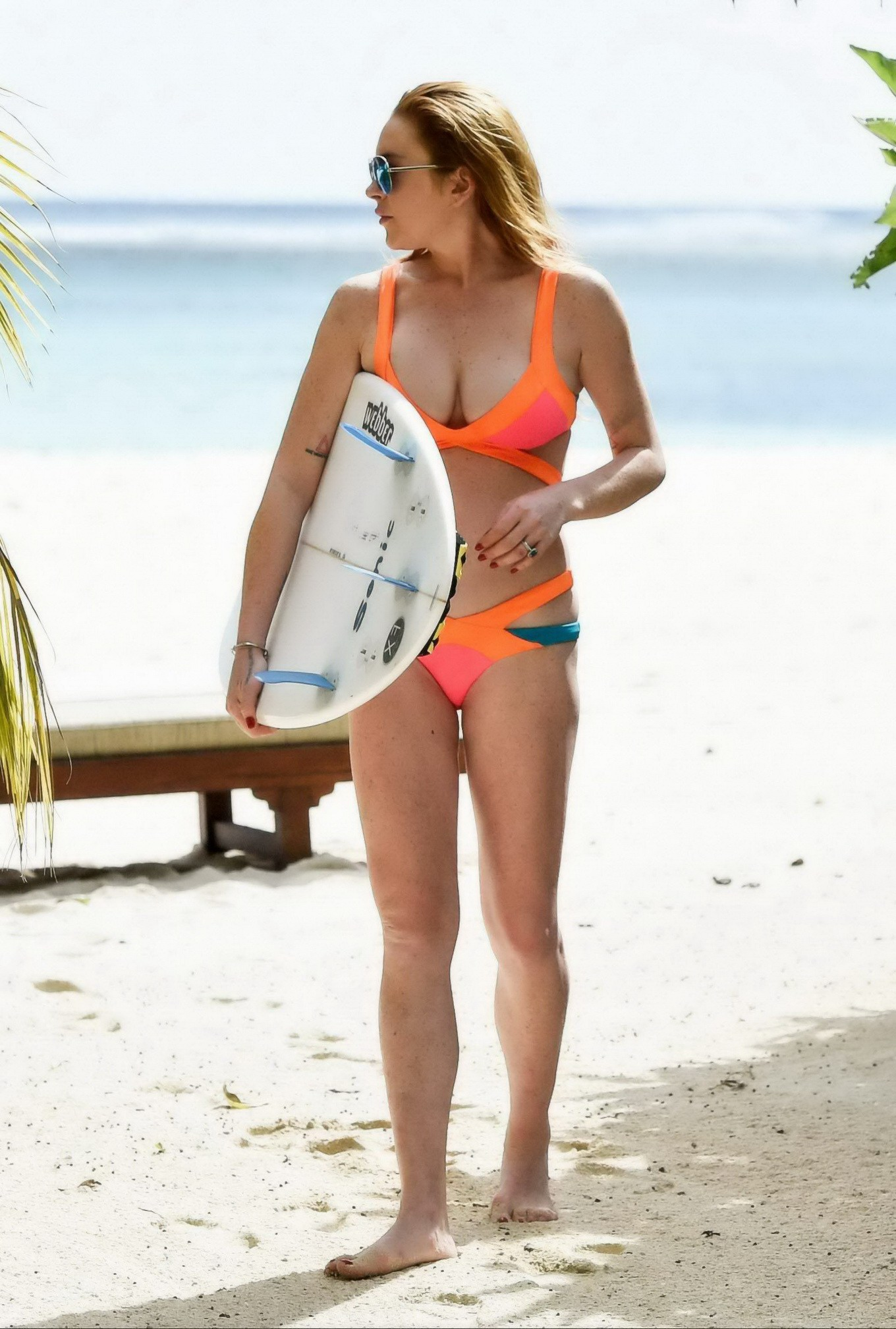 lindsay lohan displaying her hot bikini body during a vacation in