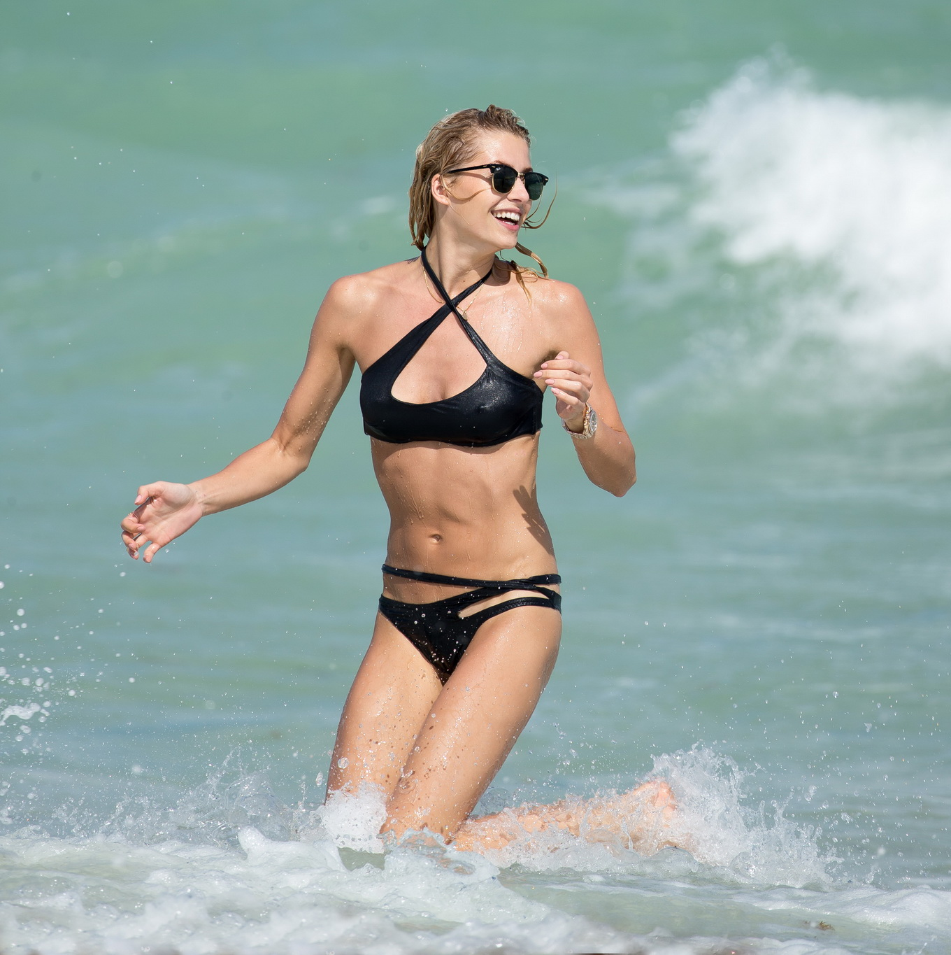 Lena Gercke showing off her hot body in skimpy black ...