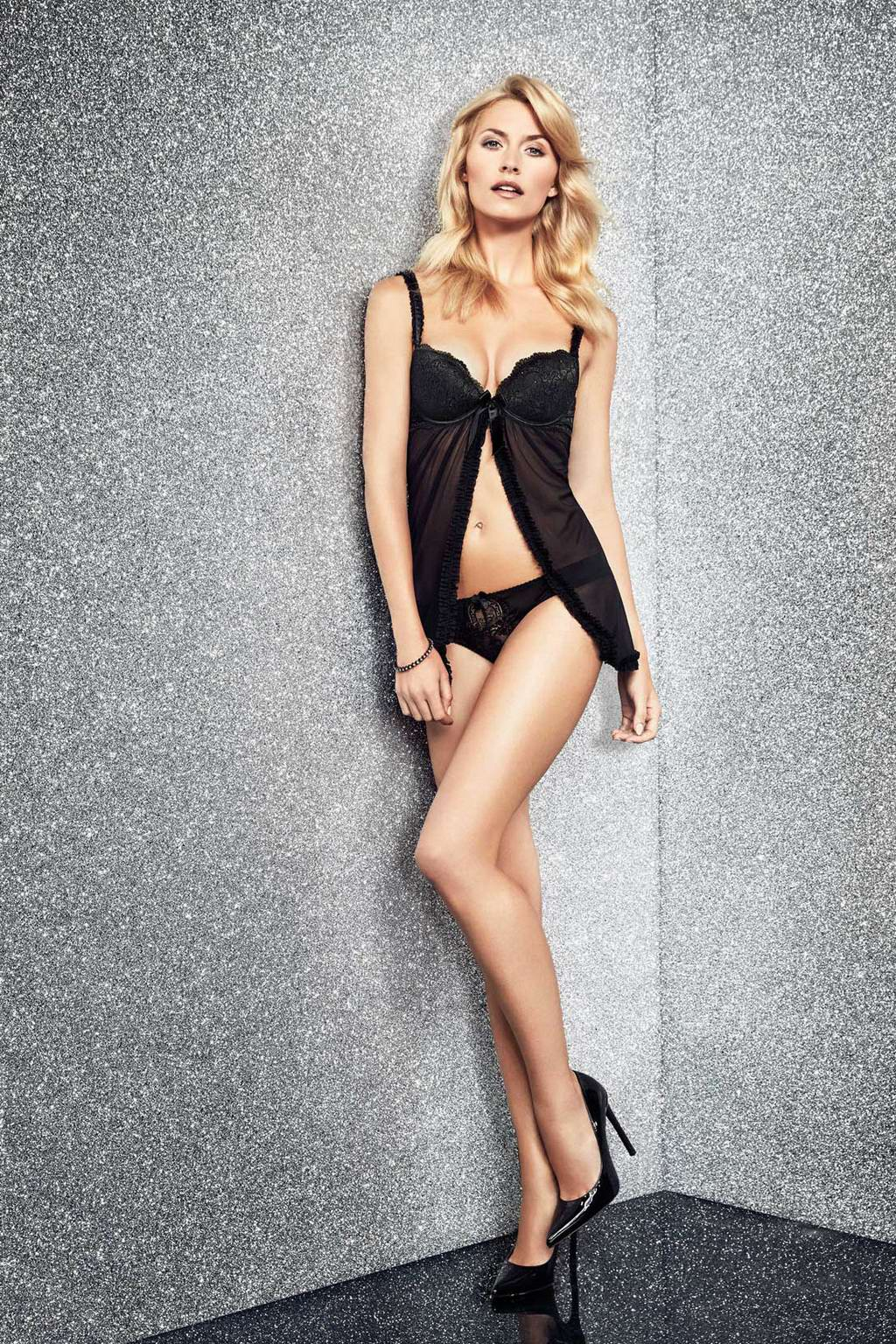 Lena Gercke wearing sexy lingerie for Yamamay Christmas ...