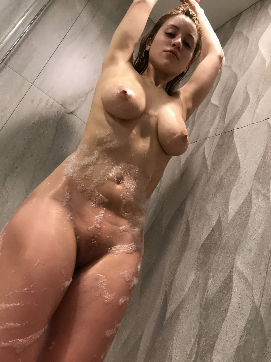 Caylee Cowan showed off her hot fully naked body at the ...